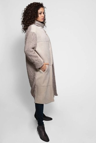 Liven Long Shearling and Wool Detachable Scarf Coat Light