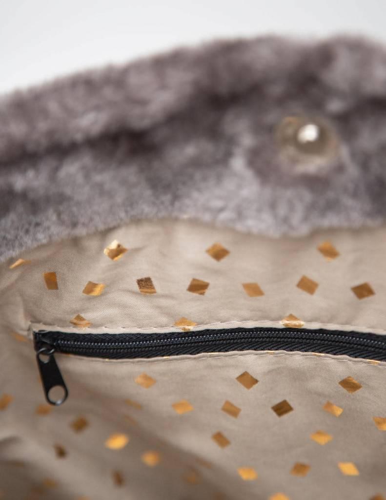 YERSE Faux Fur bag