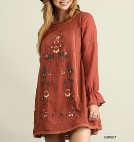 Umgee Floral Embroidered Peasant Sleeve Shift Dress