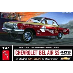 AMT\ERTL\Racing Champions.AMT 1/25 62 CHEV BEL AIR