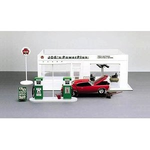 Academy Models . ACY 1/24 Joe's Power Plus Service Station