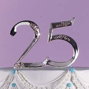 Wilton Products . WIL MONOGRAM 25TH ANNIVERSARY
