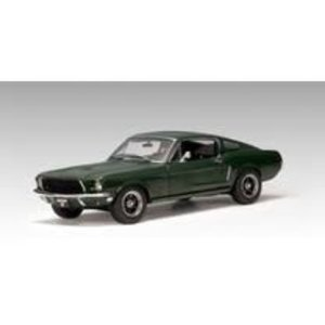 Green Light Collectibles . GNL 1/18 '11 SHELBY GT500 BLACK