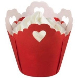 Wilton Products . WIL BAKING CUPS 15CT PLEATED HEART