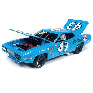 American Muscle Diecast . AMD 1/18 1971 PETTY PLY ROADRUNNER