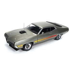 American Muscle Diecast . AMD 1/18 71 FORD TORINO GT