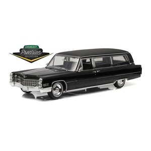 Green Light Collectibles . GNL 1/18 1966 CADILLAC S&S LIMOUSINE