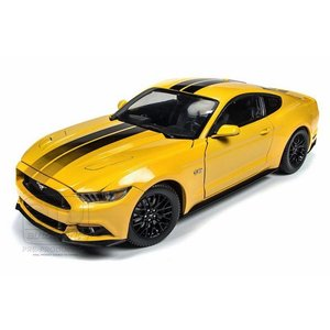 Auto World . AWD 1/18 2016 FORD MUSTANG GT