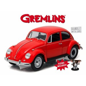 Green Light Collectibles . GNL 1/18 67 VW BEETLE GREMLINS W/GIZMO FIGURE