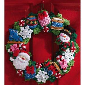 Bucilla . BUC CHRISTMAS TOYS WREATH