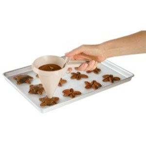 Wilton Products . WIL CANDY FUNNEL EASY-POUR