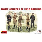 Miniart . MNA 1/35 SVT OFFICERS FIELD BRIEFING