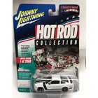 Johnny Lightning . JNL 2005 Ford Mustang GT (Hot Rod Collection) Gloss White with Black Stripes