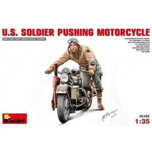Miniart . MNA 1/35 U.S. Soilder Pushing Motorcycle