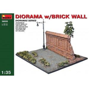 Miniart . MNA 1/35 Diorama W/Brick Wall