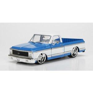 Jada Toys . JAD 1/24 1972 Chevy Cheyenne - 3005C Blue w/ White