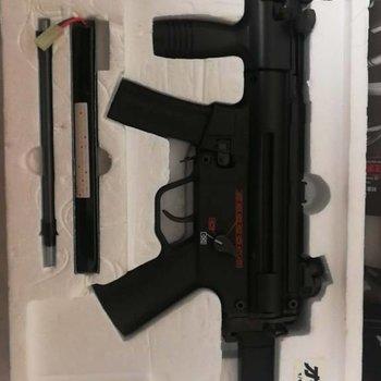 airsoft/airgun MP5K EG700 9  (no pal needed) original box,new battery
