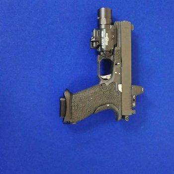 Glock Glock 17 Gen 4 updated 2500 with flashlight, 1700 for gun
