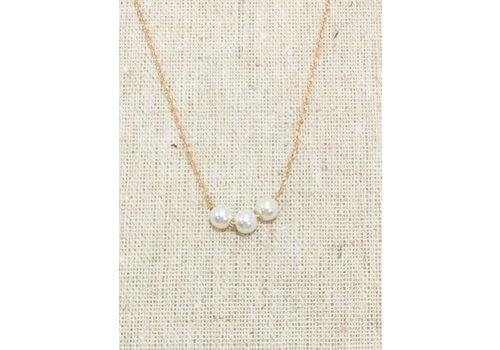 U.S. Jewelry House Gold 3 Pearl Necklace