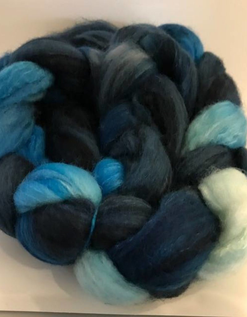 Purl Diver Collection Blue Lips Roving