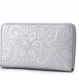 Happy Wahine Wallet Chloe Hibiscus Embossed Silver
