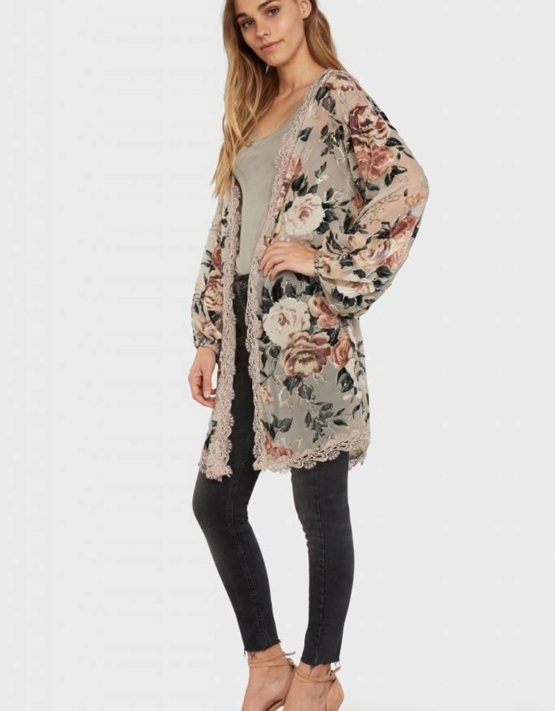 Willow & Clay floral print burnout kimono with lace trim