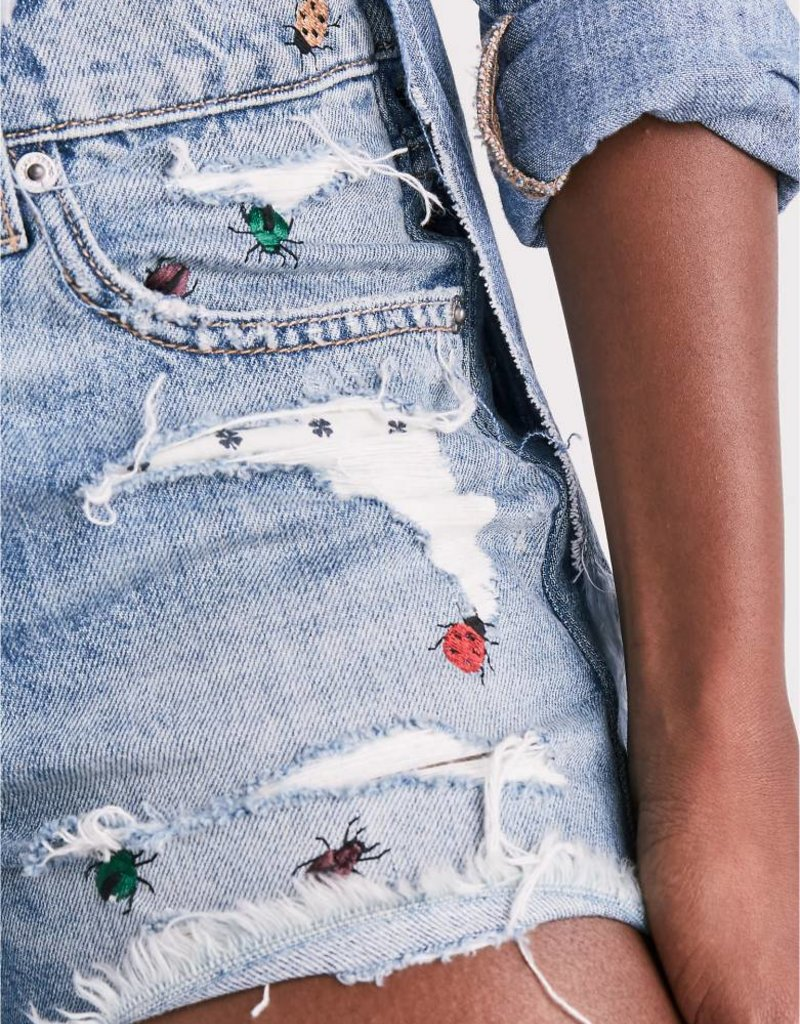 Lucky ladybug embroidered boyfriend cut off short
