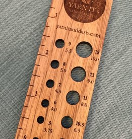 Retromantic Yarn It Ruler and Needle gauge