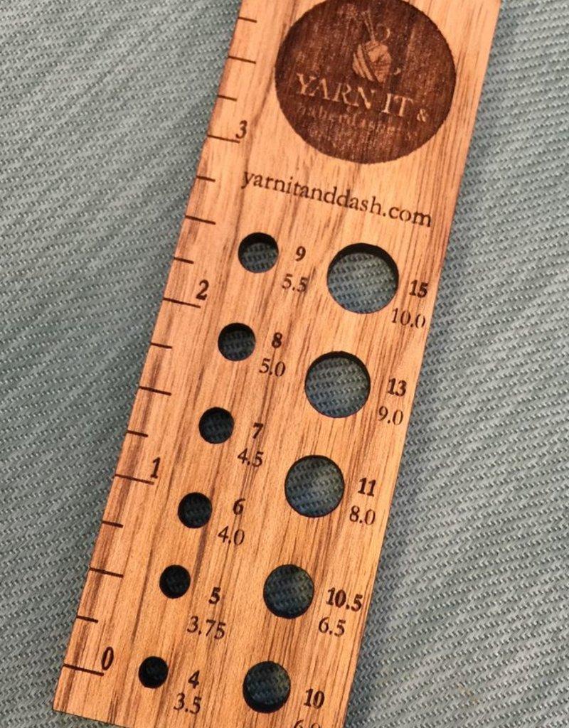 Retromantic Yarn It Ruler and Needle gauge