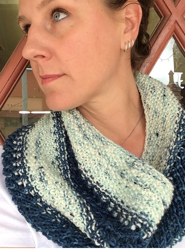 Delicious Yarns Waffle Cone Cowl Kit
