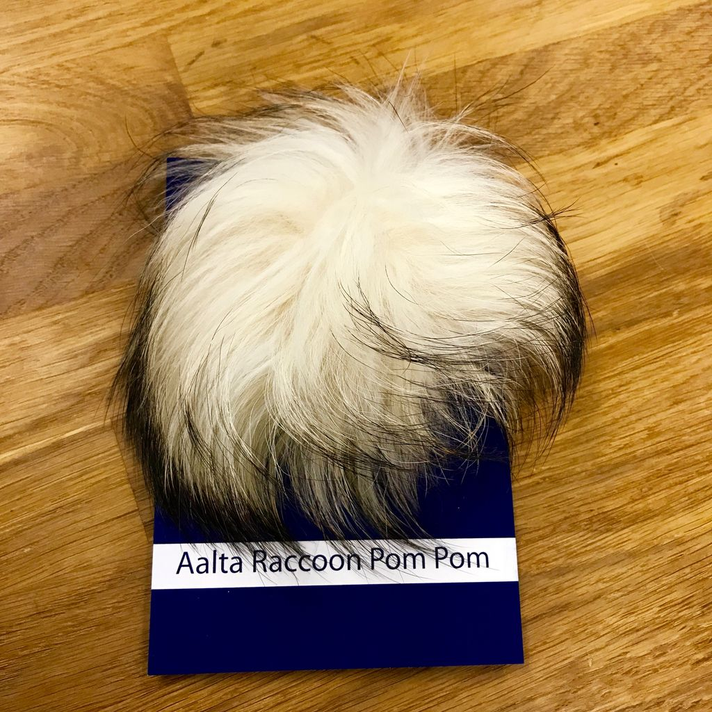 Aalta Yarn Raccoon Fur Pom Pom