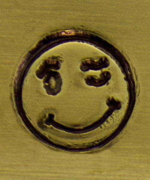 PN5118 = ALTERNATIVE DESIGN STAMP - Winking smiley face