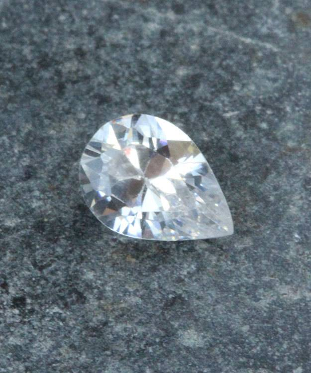 CZPR7X5 = Cubic Zirconia Pear Shape 7x5mm (Pkg of 5)