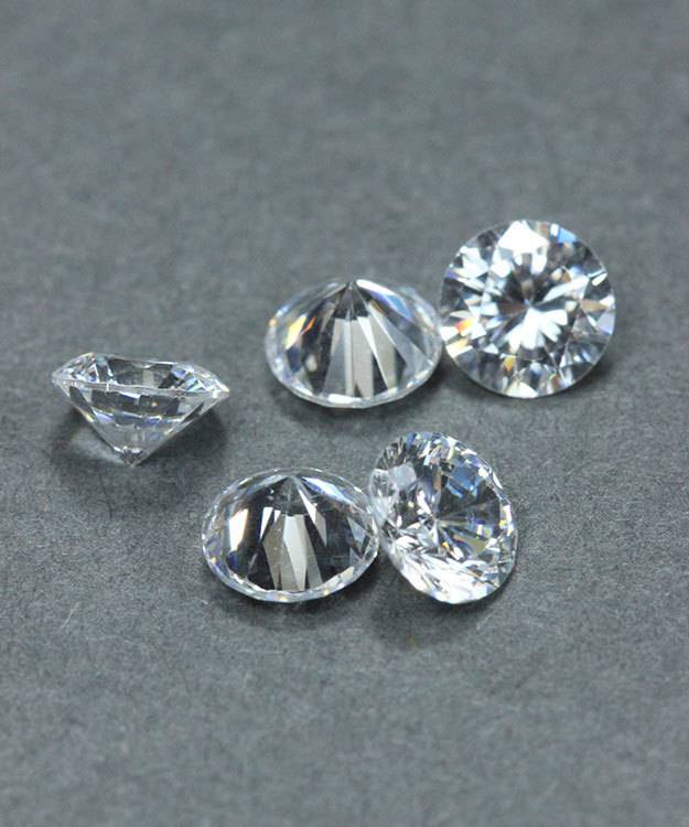 CZRD5.5 = Cubic Zirconia Round 5.5mm (Pkg of 5)