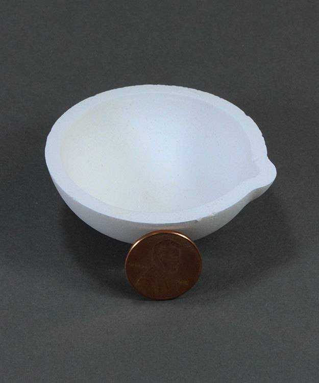 22.780 = Ceramic Melting Dish / Crucible 20dwt Capacity
