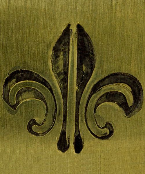 PN5710 = DESIGN STAMP ELITE JUMBO 10mm - fleur de lis