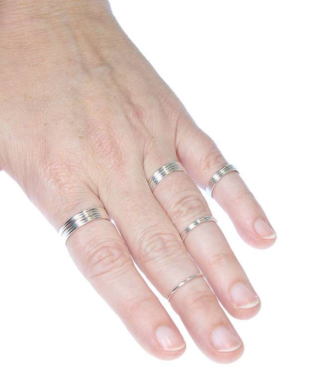870S-4 = Sterling Silver 1mm Stacking Ring Size 4 (Pkg of 3)