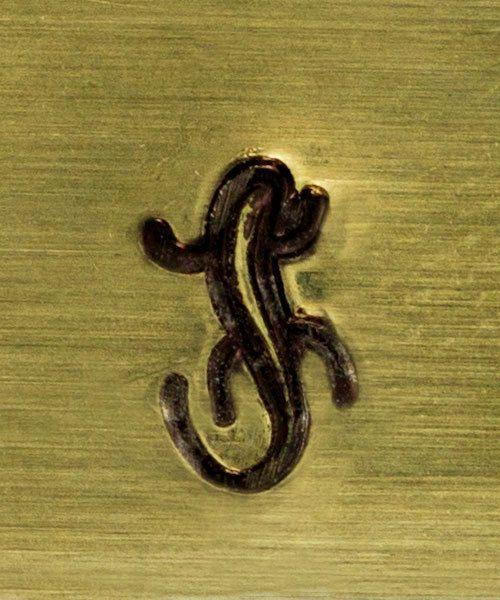 PN5105 = CONTEMPORARY DESIGN STAMP - Lizard