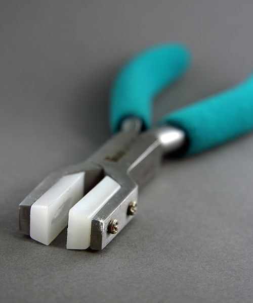 PL8532 = NYLON JAW RING HOLDING PLIERS