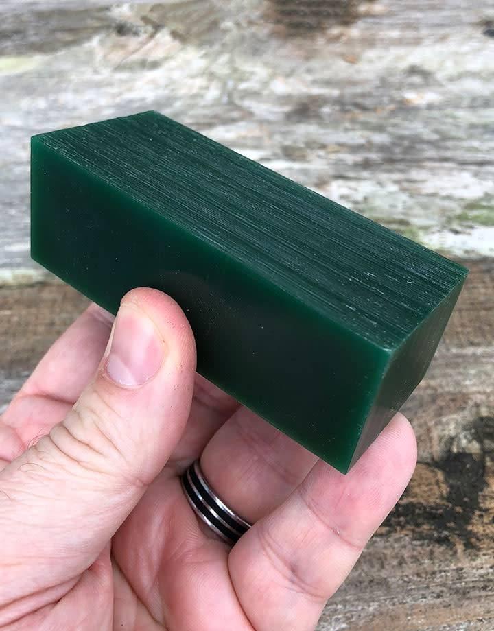 21.02751 = DuMatt Green Carving Wax 3 Bars (1/2lb)