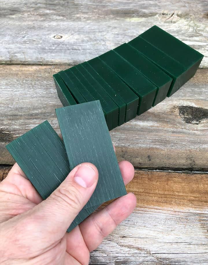21.02770 = DuMatt Green Carving Wax Slices (1lb)