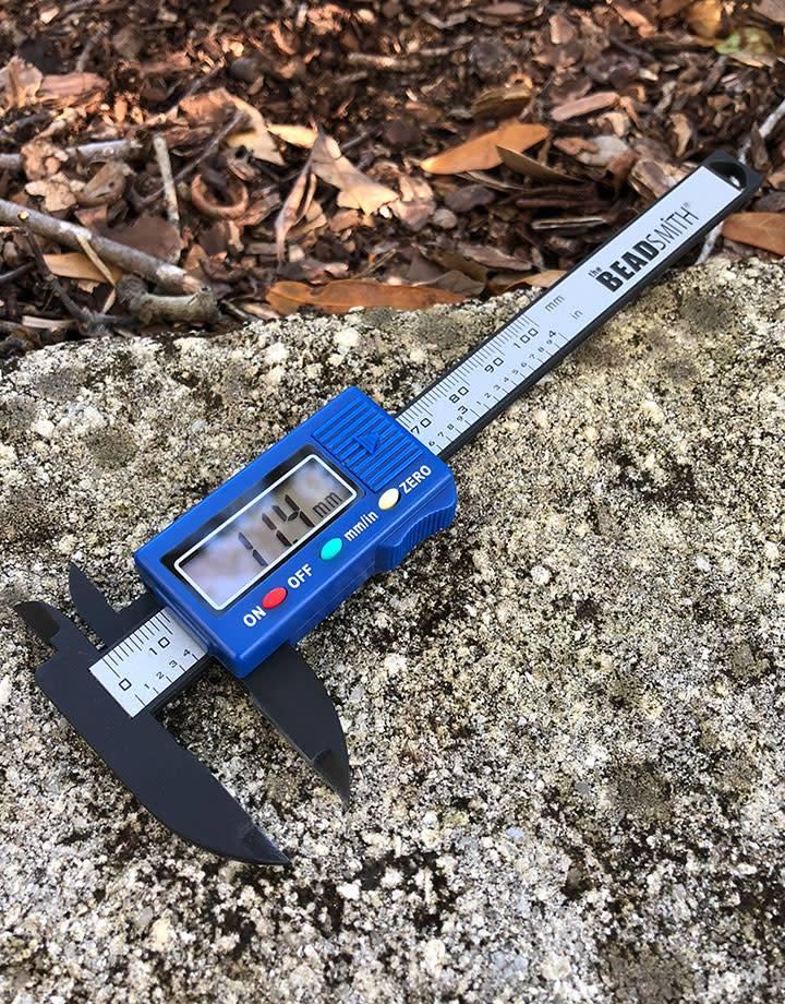 GA9001 = DIGITAL CALIPER 4'' CAPACITY (mm / inches)