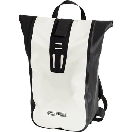 Velocity Backpack: 24 Liter
