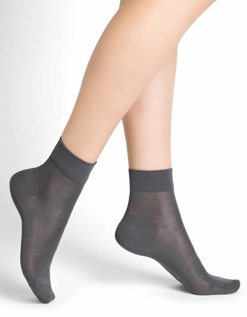 Bleu Forêt 100% Silk ankle socks
