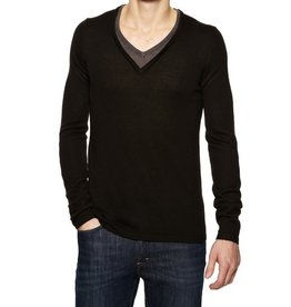 JC Rags Double v-neck lslv pullover knit sweater