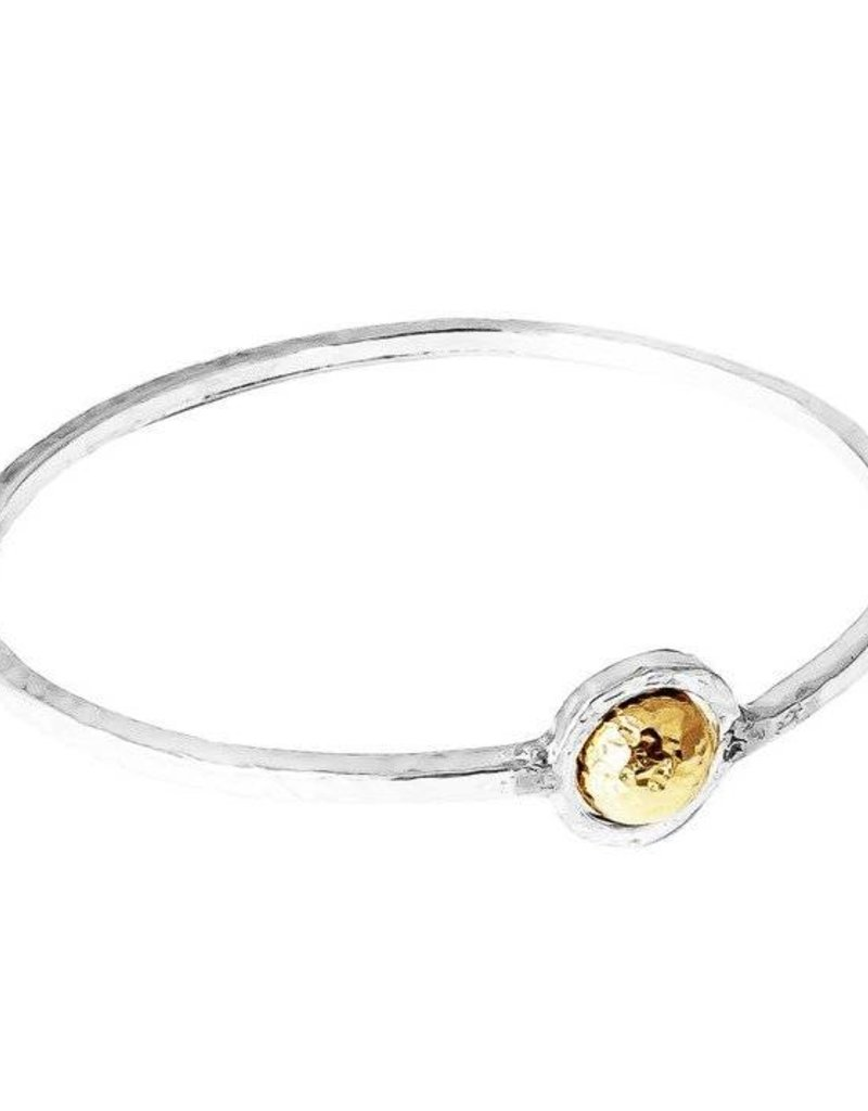 ATTICUS LARGE FEATURE OVAL HAMMERED BANGLE / GOLD SMALL