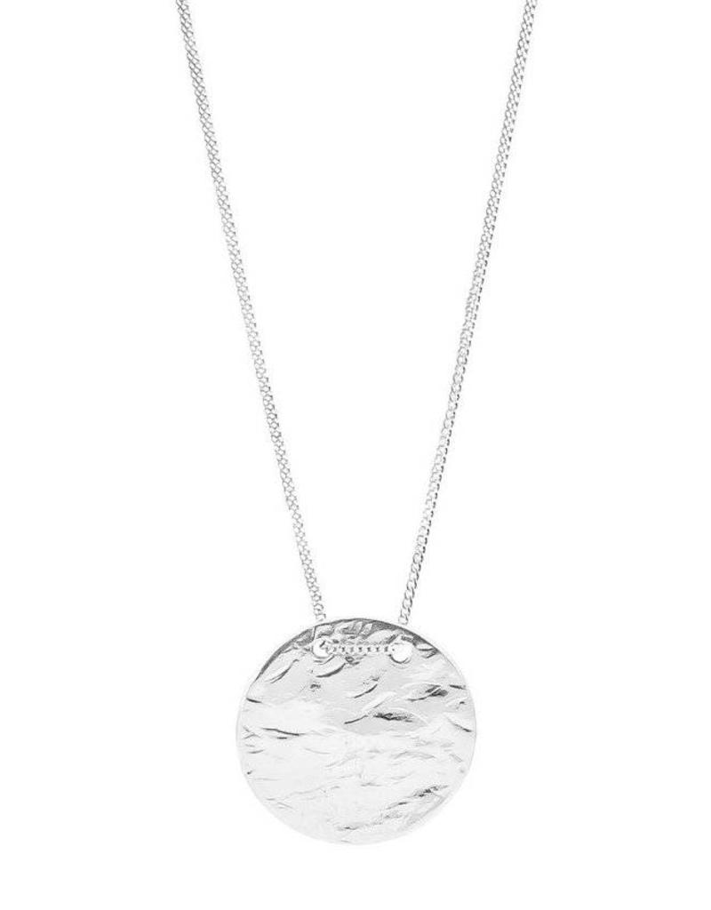VESPER LARGE HAMMERED DISC NECKLACE - SHORT / SILVER DISC