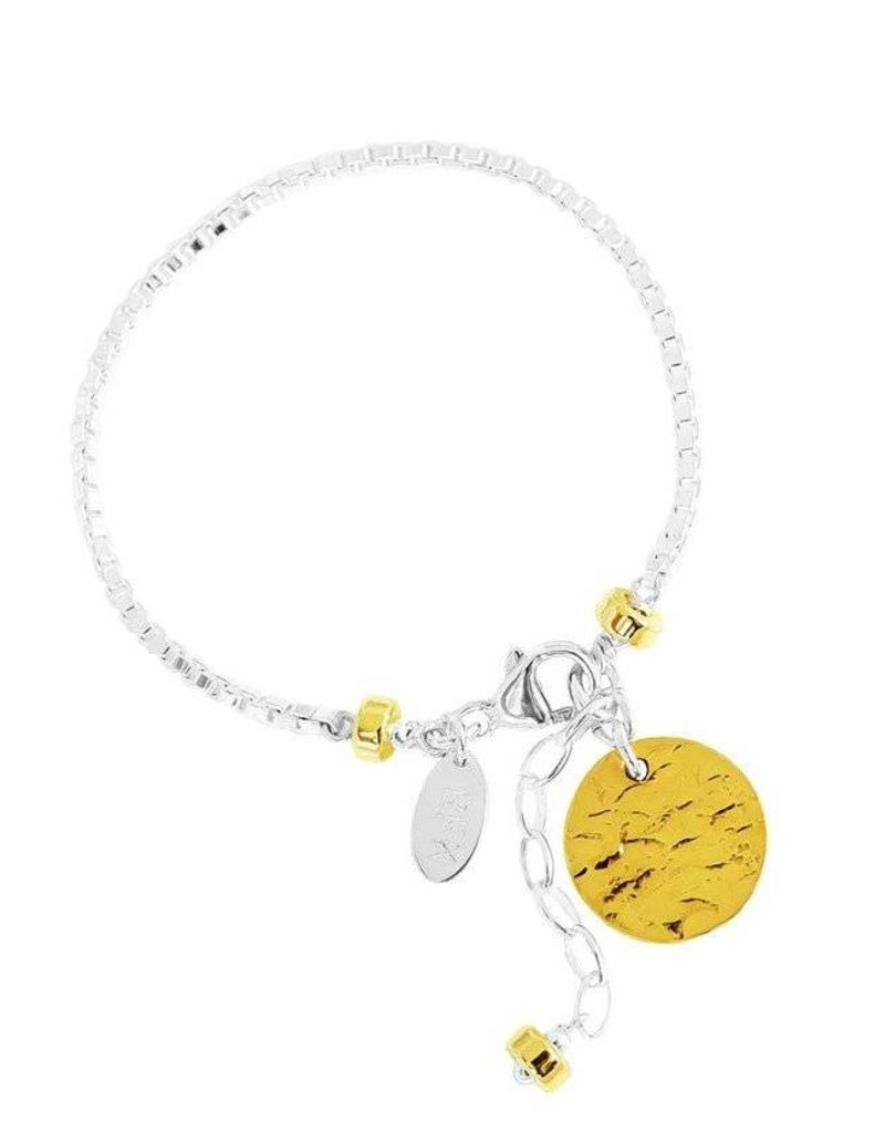 ASTRA BOX CHAIN BRACELET W/HAMMERED DISC/GOLD DISC & DETAIL