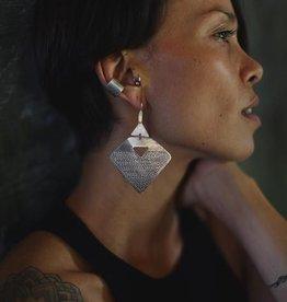 EWA AIBOM MOTIF EARRINGS