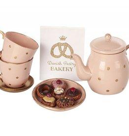 Ensemble de thé miniature avec biscuits